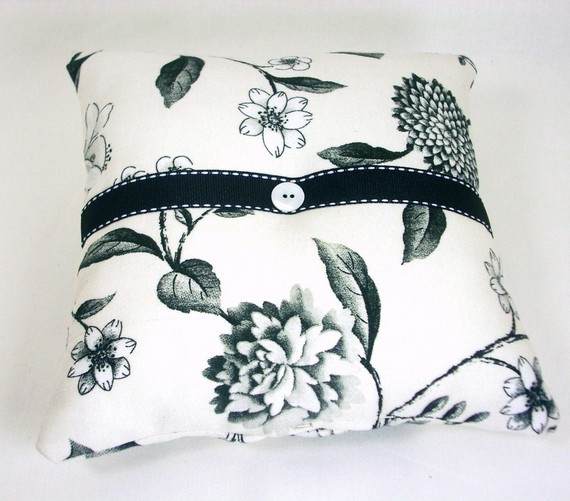 handmade ring pillows inspired by the french riviera
