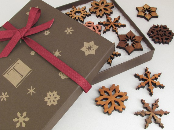 winter wedding favors - snowflakes