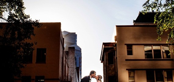 Rose Street Studio - Couple Kissing