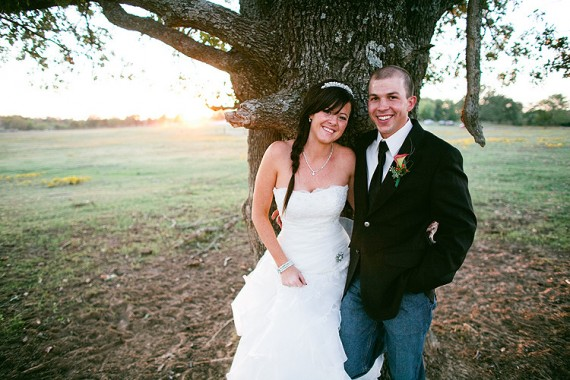 8 Secrets to a Stress Free Wedding Day (photo: justin battenfield) - via EmmalineBride.com