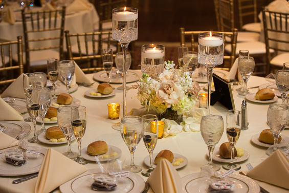 table reception decor at Crystal Tea Room Wedding - photo: Daniel Fugaciu Photography | via http://emmalinebride.com