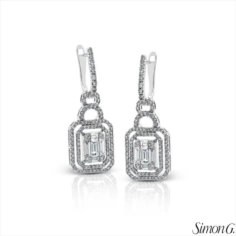 Geometric Design Diamond Earrings | Latest Spring Jewelry Trends | http://emmalinebride.com/jewelry/latest-spring-jewelry-trends/