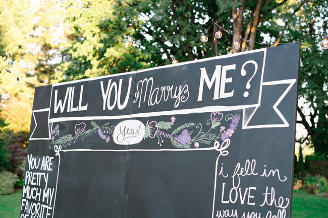 will you marry me chalk board sign| Photo: White Ivory Photography | via http://emmalinebride.com/real-weddings/hipster-engagement-session-what-does-one-look-like/