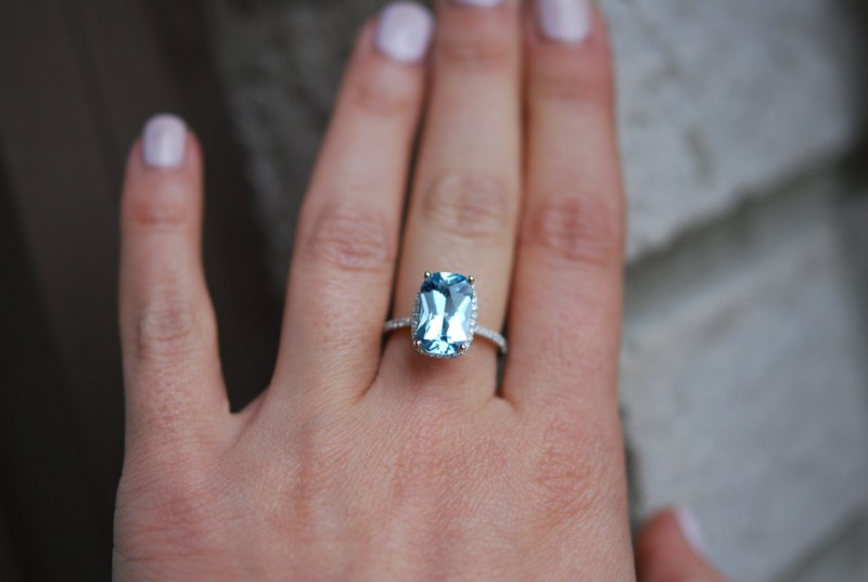 Aquamarine engagement ring | via Best Aquamarine Jewelry Finds on Etsy - http://emmalinebride.com/bride/best-aquamarine-jewelry/