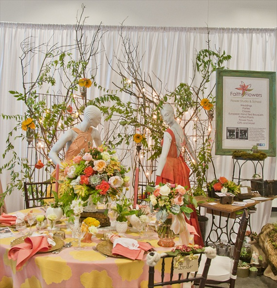 Faith Flowers at Bridal Extravaganza of Atlanta (via EmmalineBride.com)