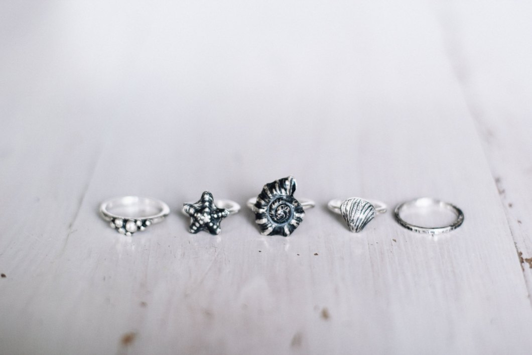 beach-wedding-rings-image-4