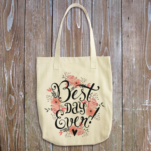 Best Day Ever Tote Bag | What to Put in Wedding Welcome Bags | http://emmalinebride.com/planning/wedding-welcome-bags/