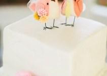 bird cake topper   via http://emmalinebride.com/2015-giveaway/bird-cake-topper/   photo: richelle dante