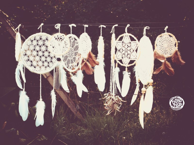 dream catchers for reception backdrop by boho nest | etsy boho weddings | http://emmalinebride.com/bohemian/etsy-boho-weddings/