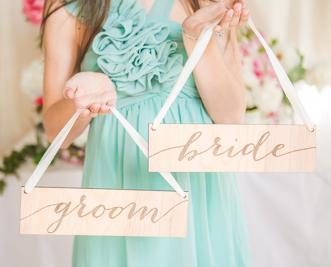 bride groom chair signs | via bride and groom chair signs http://emmalinebride.com/decor/bride-and-groom-chairs/
