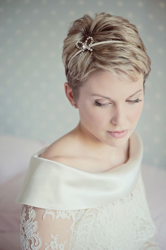 bride with short wedding pixie haircut and headband