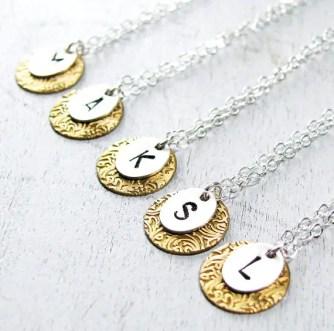 bridesmaid-necklaces-gold-pendant