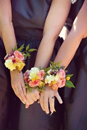 bridesmaid corsages