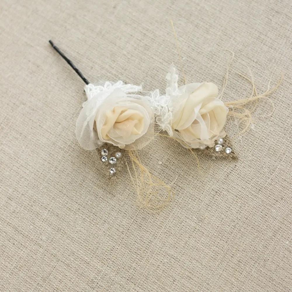 burlap hair flowers | 50 Best Burlap Wedding Ideas | via http://emmalinebride.com/decor/burlap-wedding-ideas/