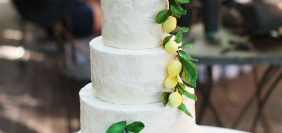 buttercream-wedding-cake-with-lemons-and-leaves