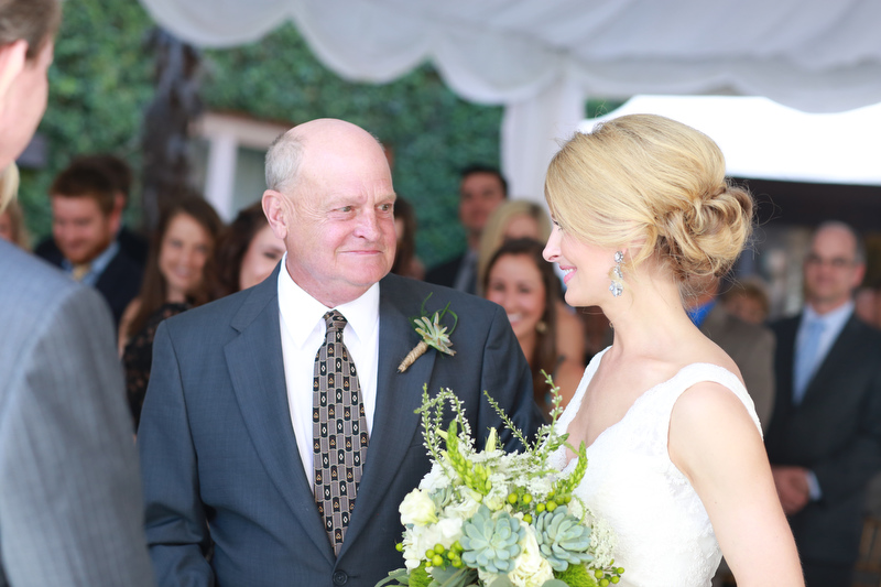 The bride and her father |  Photographer: Melissa Prosser Photography | via http://emmalinebride.com/real-weddings/colleen-ryans-lovely-savannah-wedding-at-the-mansion-on-forsyth-park