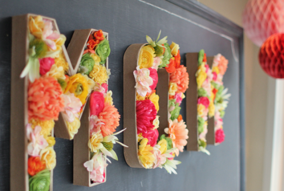 diy floral monogram by urbanic paper via Easy DIY Wedding Ideas