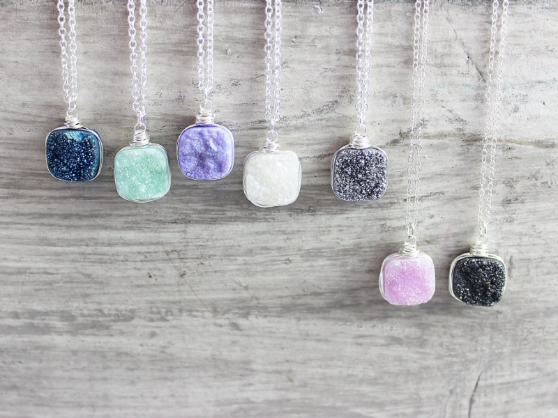 druzy necklaces | http://emmalinebride.com/bridesmaid/colorful-druzy-necklaces/
