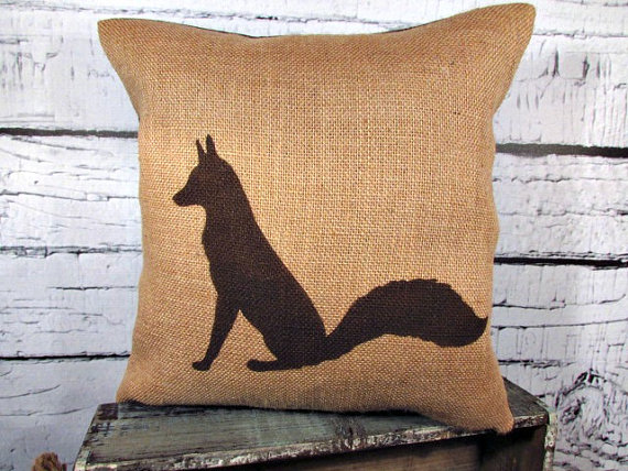 fox pillow cover | Fox Ideas Weddings via http://emmalinebride.com/rustic/fox-ideas-weddings/