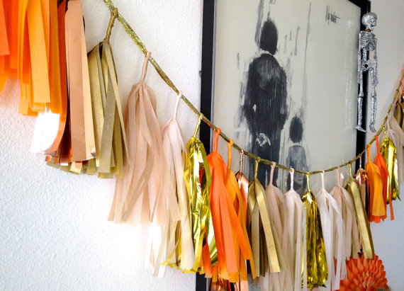 orange paper garland via 30 Amazing Halloween Wedding Ideas from EmmalineBride.com
