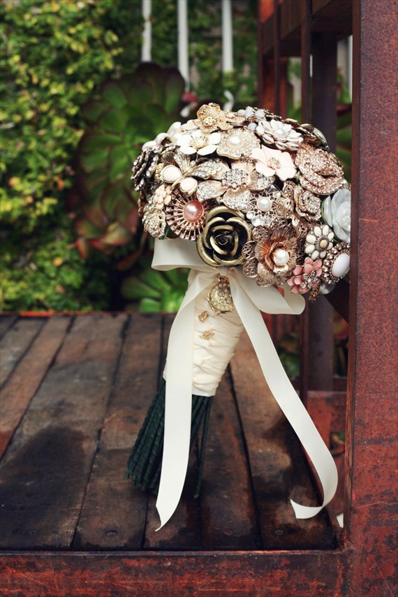 DIY Wedding Ideas: Brooch Bouquet (by Harmony Creative Studio), photo by Meghan Christine Photography