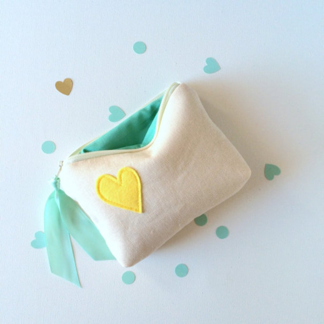 heart cosmetic bag