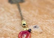 marsala pendant necklace by elise thomas designs   via http://emmalinebride.com/2015-giveaway/marsala-pendant-necklace/