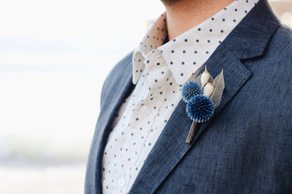 modern boutonniere | via What Kind of Boutonniere to Pick (and Why) http://emmalinebride.com/groom/what-kind-of-boutonniere/