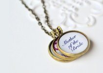 mother-of-the-bride-necklace-gift