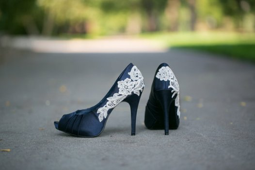 navy wedding shoes for bride | via http://emmalinebride.com/bride/wedding-shoes-for-bride/