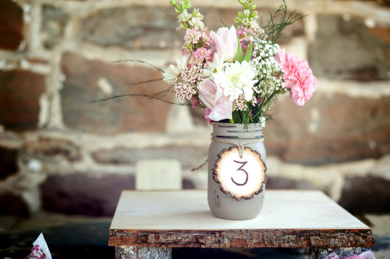 Painted Mason Jars (by Beach Blues; photo by Melania Marta)