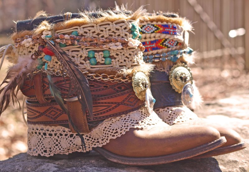 rustic bohemian wedding boots by the look factory | etsy boho weddings | http://emmalinebride.com/bohemian/etsy-boho-weddings/