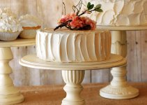 rustic pedestal wedding cake stand