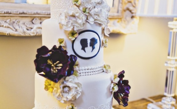 silhouette wedding cake vintage inspired