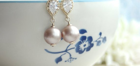 sparkly-pearl-wedding-earrings