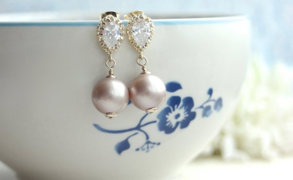 sparkly-pearl-wedding-earrings