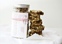 toffee blondies in a jar