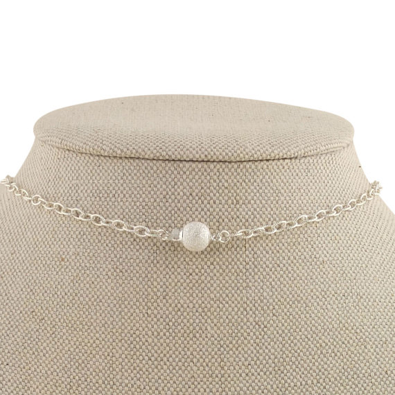 vintage inspired pearl necklace closure | pearl necklaces brides http://emmalinebride.com/bride/pearl-necklaces-brides/