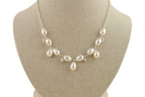 vintage inspired pearl necklace