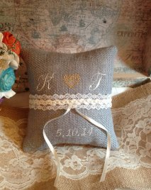 vintage ring pillows