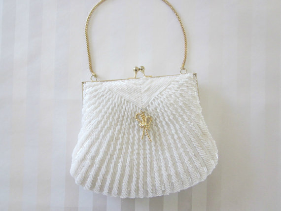 8 Ideas for Something Old, New, Borrowed, Blue (via EmmalineBride.com) - vintage wedding purse via all for love, l.o.v.e.
