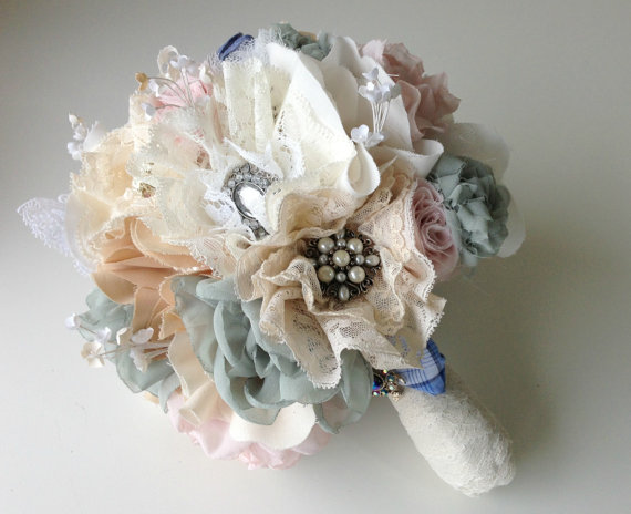 Faux Flower Bouquets (bouquet: innstyches)
