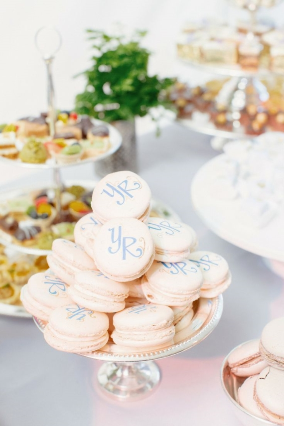 Add a personal touch to your desserts with your wedding initials.  These macarons look too pretty to eat! Photo: Ryan and Heidi.