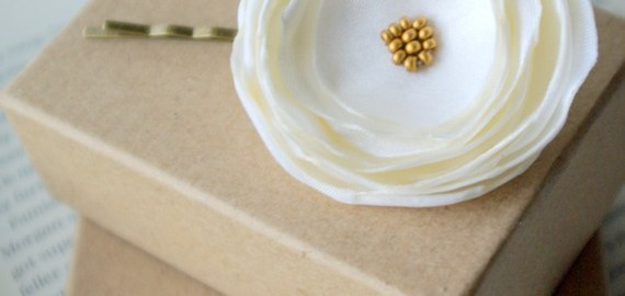 white flower hair pin boxes