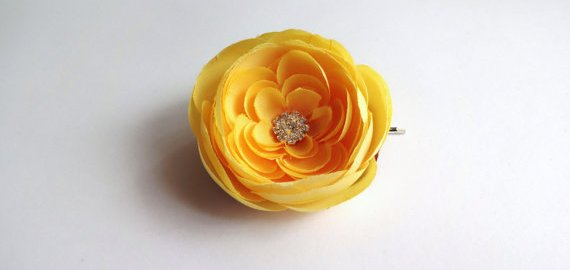yellow ranunculus hair pin
