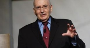 Philip Kotler, considerado el padre de marketing moderno.