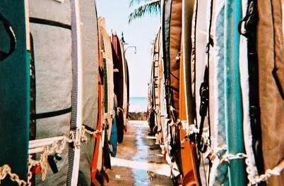Surf's out – LomoChrome XPRO 200 (35mm)