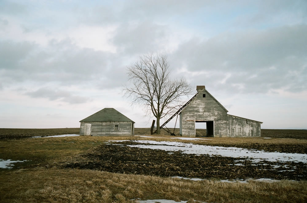 Abandoned Barn, Iowa. Konica Hexar AF, Kodak Portra 160.
