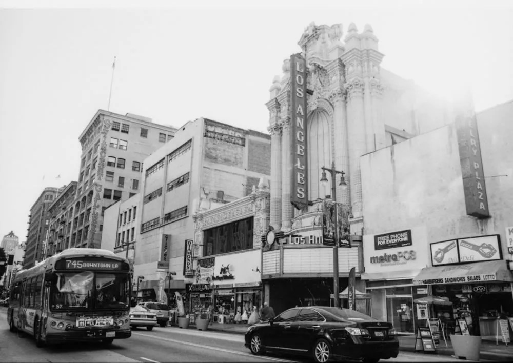 Los Angeles Theatre - Sunset rush hour on Broadway, Los Angeles. JCH Street Pan 400, Canon EOS-3