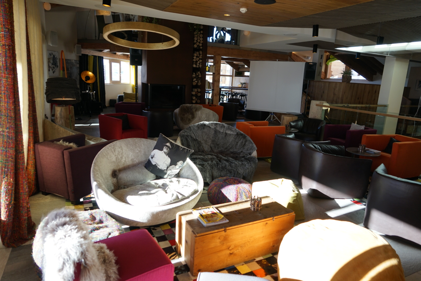 lounge, fireplace, library, val thorens, pashmina, hotel, pashmina hotel, refuge, terrace, mountain, trip, holidays